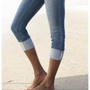 5/$25▪Nine West▪Stitch Detail Capri Denim Jeans